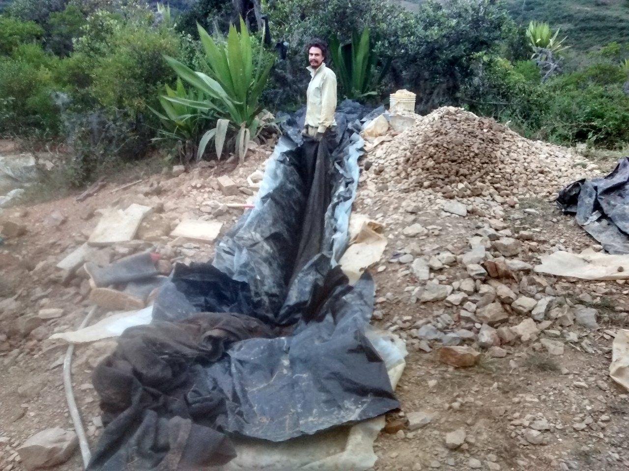 Colocando geotextil