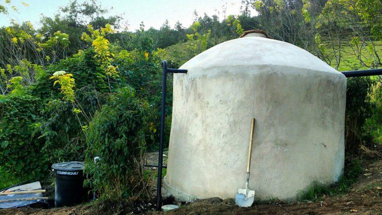 Foto tanque de ferrocemento